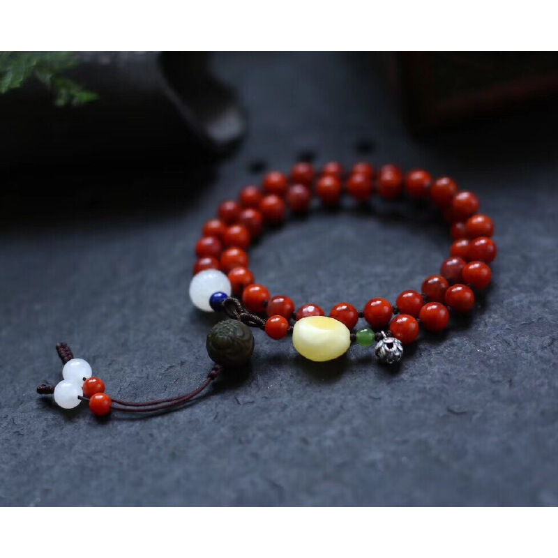 天然川料南红手链,搭配天然和田玉白玉莲花、青金石、蜜蜡、碧玉、盐源玛瑙雕花珠