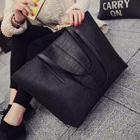 包包2018新款韩版潮大容量女士学生单肩包手提包百搭简约女包大包 黑色 赠送手拿包