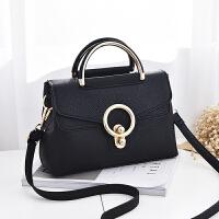 女士包包韩版女包手提包时尚单肩包斜挎小方包锁扣包 黑色1