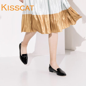 接吻猫新款尖头低跟单鞋漆皮平跟女鞋DA76683-50