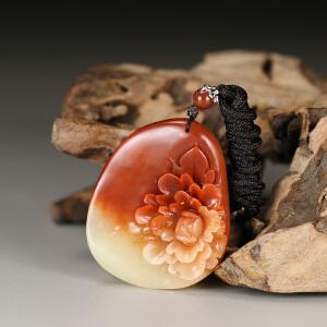 寿山巧色芙蓉石 精雕花开富贵挂件 p4147