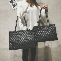时尚大包包女2018新款大容量手提单肩包简约百搭韩版菱格链条女包