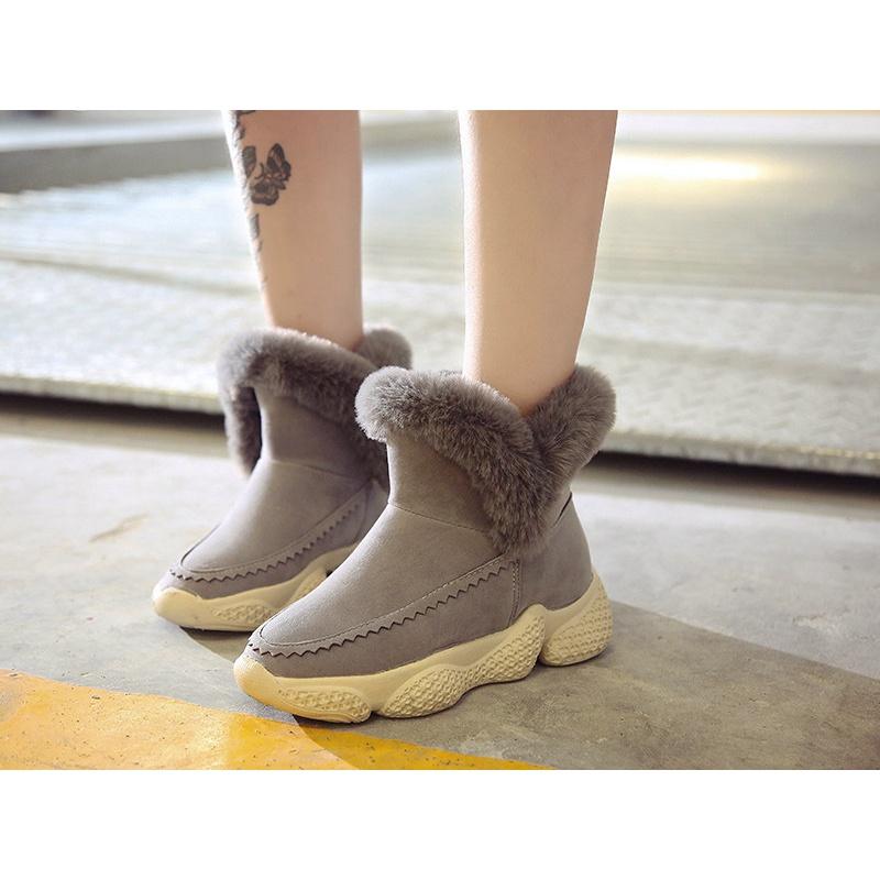 加绒运动厚底短靴雪地靴女女冬季短筒加厚摇摇底保暖棉鞋