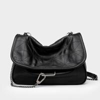 Z家黑色摇滚软皮包包女2020新款大容量流浪包小ck洋气单肩斜挎包