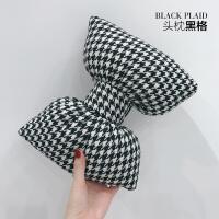 汽车头枕抱枕腰靠套装韩国可爱车内装饰品护颈枕通用车用靠枕颈枕