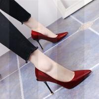 性感红色婚鞋2019新款尖头细跟高跟鞋气质绸缎面浅口百搭女单鞋OLSN3514