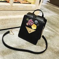韩版时尚潮流女包夹口机车包花朵女包手提斜跨链条包