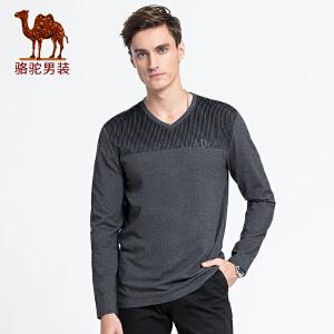 骆驼男装 2018秋季新款青年休闲上衣时尚V领植绒印花长袖T恤男
