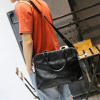 新款单肩包横款男士手提包潮流男包斜跨包电脑包