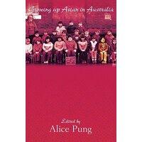 英文原版 Growing Up Asian in Australia
