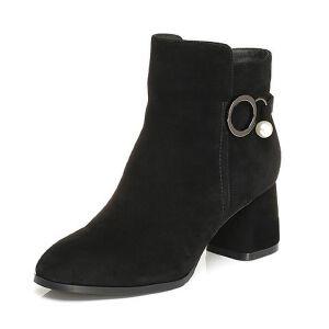 Tata/他她2017冬黑色羊皮绒面珍珠饰扣优雅粗高跟女皮靴10912DD7