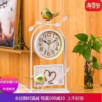 欧式静音带相框钟表摆件铁艺创意小鸟座钟客厅卧室时钟台式家用钟 自店营年货 带相框钟表 白色
