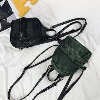 女包新款牛津布迷彩双肩包女韩版休闲铆钉背包多用旅行小包包