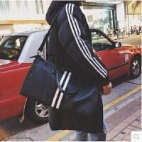 港风男士短途出差旅行包休闲手提包韩版潮人运动手袋健身包大容量 黑色