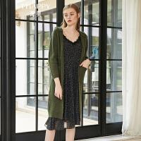 海贝2018秋季新款女连帽长袖中长款针织衫军绿色毛衣修身开衫外套