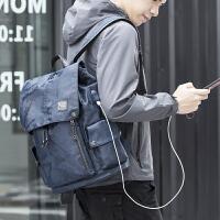 时尚迷彩男士双肩背包大容量旅游旅行背包商务电脑包休闲学生书包