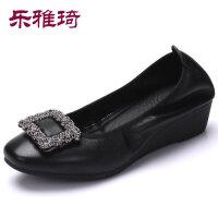 妈妈鞋软底女舒适单鞋女浅口坡跟奶奶鞋2018秋新款中老年女鞋