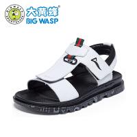 【1件5折�r:89元】大�S蜂男童鞋 �和��鲂�2019新款中大童夏季防滑皮�鲂� 男童沙�┬�
