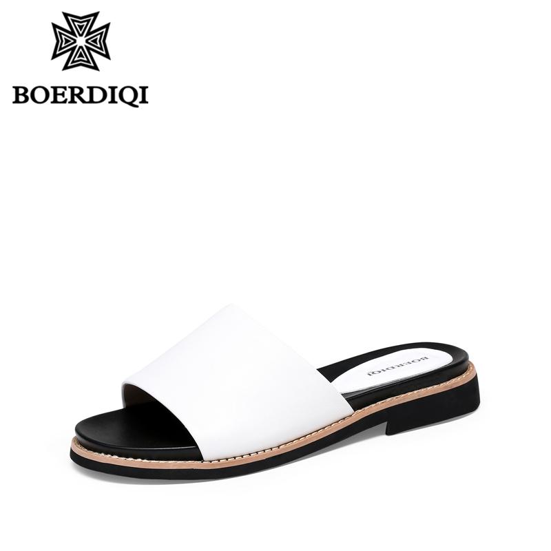 波尔谛奇2018夏新款时尚凉鞋女可外穿一字型中跟凉拖鞋平底65040