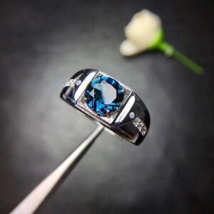 纯天然伦敦蓝蓝托帕石戒指