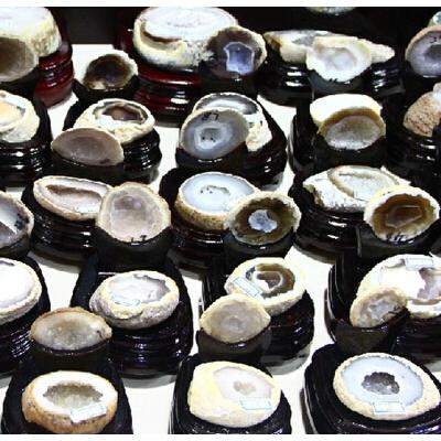 天然 玛瑙聚宝盆摆件紫水晶洞原石摆件招财 镇宅摆件 一般在付款后3-90天左右发货,具体发货时间请以与客服协商的时间为准