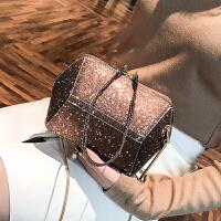小包包女冬季新款亮星链条ins超火斜挎包时尚贝壳包单肩女包