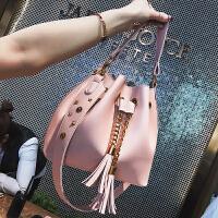 2018夏季新款女包手提包包时尚流苏水桶包斜挎单肩包潮子母包