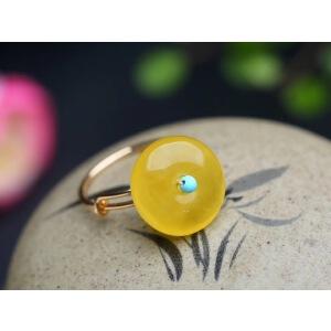 蜜糖色蜜蜡平安扣设计款戒指