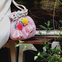 波普先生小包包女斜挎包水桶包粉色毛球流苏萌甜美少女可爱单肩包SN2160