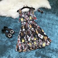 18春夏明星同款扑克牌印花木耳边吊带腰部打揽时尚连衣裙 图片色