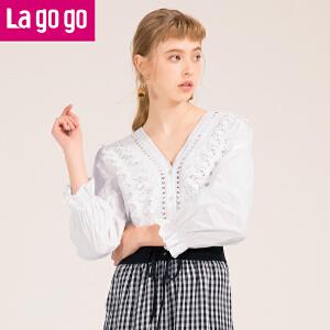 Lagogo/拉谷谷2018年春季新款时尚大V领喇叭袖长袖衬衫