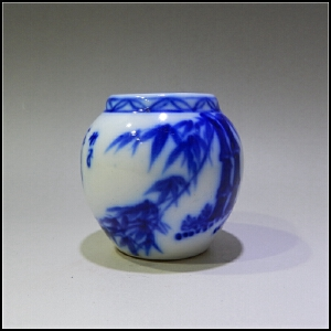 1980年制 青花翠竹图鸟食罐