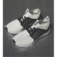 李宁女子跑鞋跑步系列新款袜套一体织轻便透气云科技运动鞋休闲鞋女款ARHN028