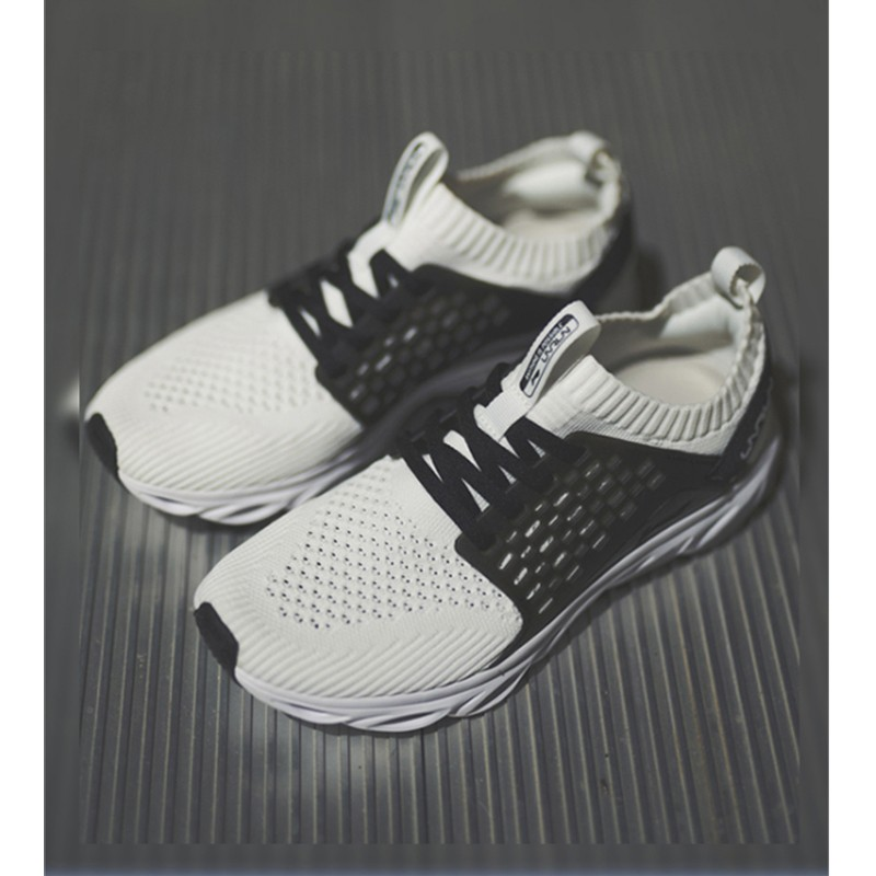 李宁女子跑鞋跑步系列新款袜套一体织轻便透气云科技运动鞋休闲鞋女款ARHN028 一体织轻便透气运动鞋