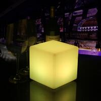led酒吧台灯 创意遥控餐厅方形桌灯简约发光立方体摆件塑料床头灯 遥控开关