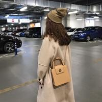 乌77 自制款 穿大衣绝配 金属扣纯色pu皮手提单肩斜跨方包女包SN9057 杏色 预售