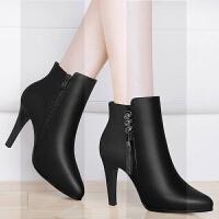 细跟短靴女靴子2018新款冬季马丁皮鞋加绒小跟黑色尖头职业高跟鞋SN2414