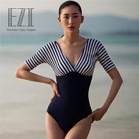 泳衣女泳装显瘦修身连体中袖海军风游泳衣遮肚温泉1161