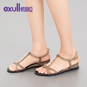 依思q夏季新款凉鞋女休闲露趾搭扣珍珠水钻坡跟女鞋