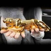 汽车摆件金钱豹车内中控台装饰品男士高档车载香水座汽车用品个性创意摆件 金钱豹