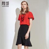 颜域品牌女装2018新款短袖花瓣圆领休闲气质红色宽松短款上衣女夏