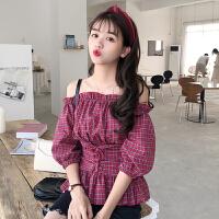 格子衬衫女夏季新款韩版性感露肩一字领泡泡袖上衣收腰衬衣学生潮