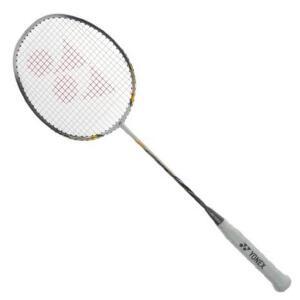 尤尼克斯 全碳素羽毛球拍 NR-10 白/黑已穿线