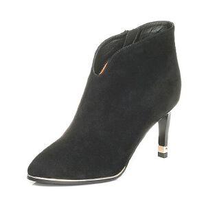 Tata/他她2017冬黑色羊皮小V口尖头及踝靴粗高跟女皮靴FNP41DD7