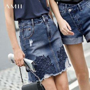 【到手价:155.9元】Amii极简潮牌图腾绣花复古牛仔半身裙2019夏新修身磨白牛仔短裙