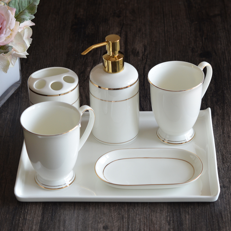 家居生活用品卫浴洗漱用品套装陶瓷五件套骨瓷卫生间浴室牙刷架创意漱口杯 +方瓷盘 金色喷头
