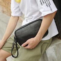 百搭男女小包手腕包 街头时尚横款手拿手机包 简约皮质潮男手拿包