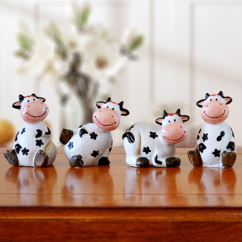 美式树脂小奶牛小摆件可爱卡通创意家居桌面装饰品隔板格子柜摆设 一般在付款后3-90天左右发货,具体发货时间请以与客服协商的时间为准