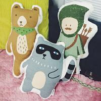 韩国韩版可爱卡通创意熊猎人小浣熊靠垫汽车抱枕卡通靠垫