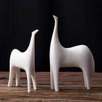简约现代创意家居装饰品艺术品摆件客厅台面玄关卧室摆设抽象对马